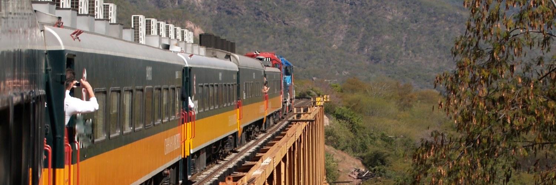 barrancas_del_cobre_train_montagne_photo
