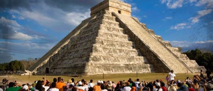 Chichen Itza Equinoxe Mexique