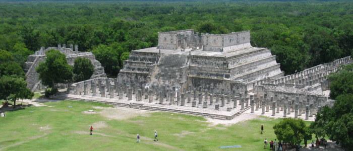 Chichen Itza Guerriers Mille Colonnes Mexique